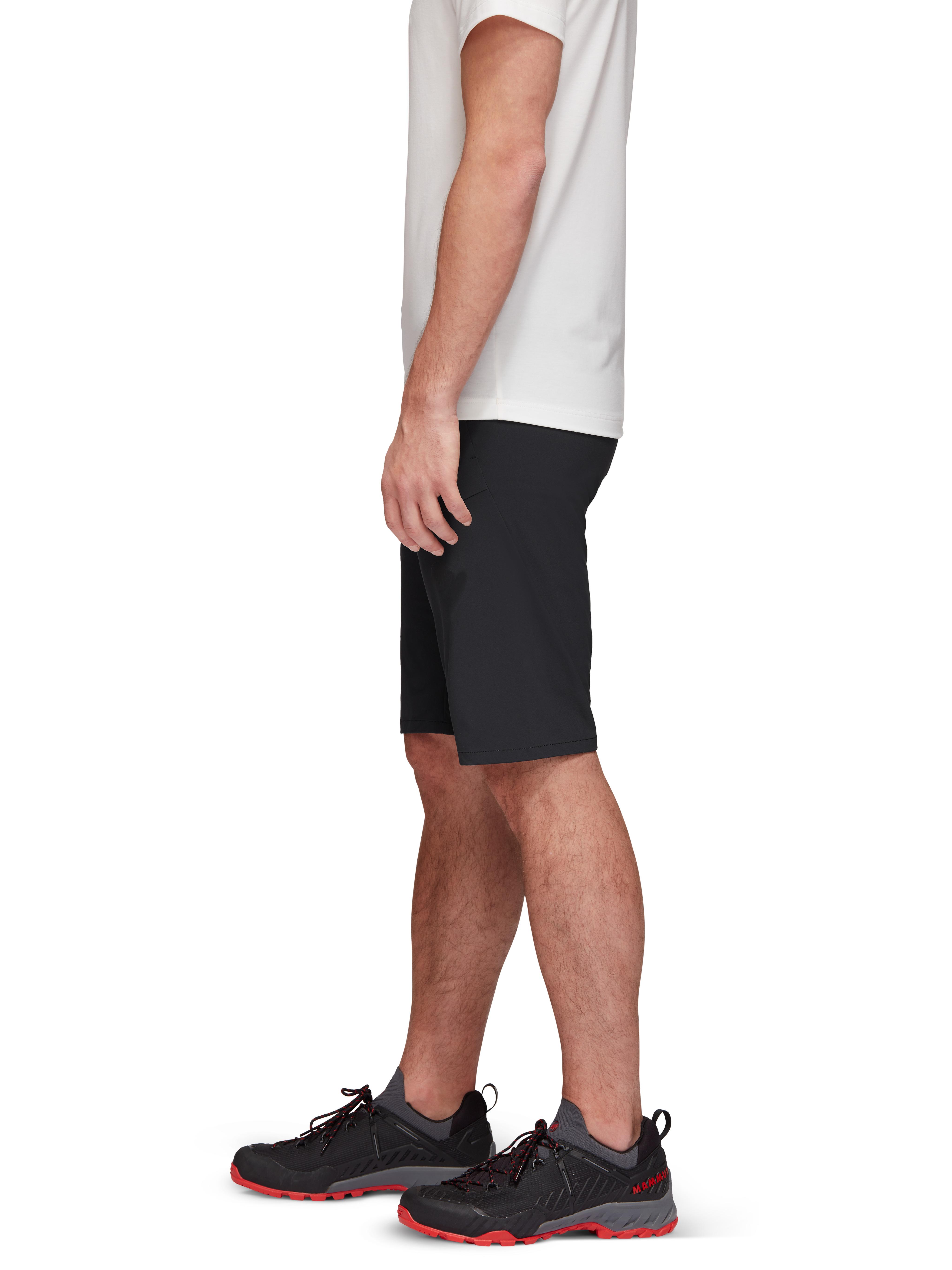 Runbold Shorts Men product image