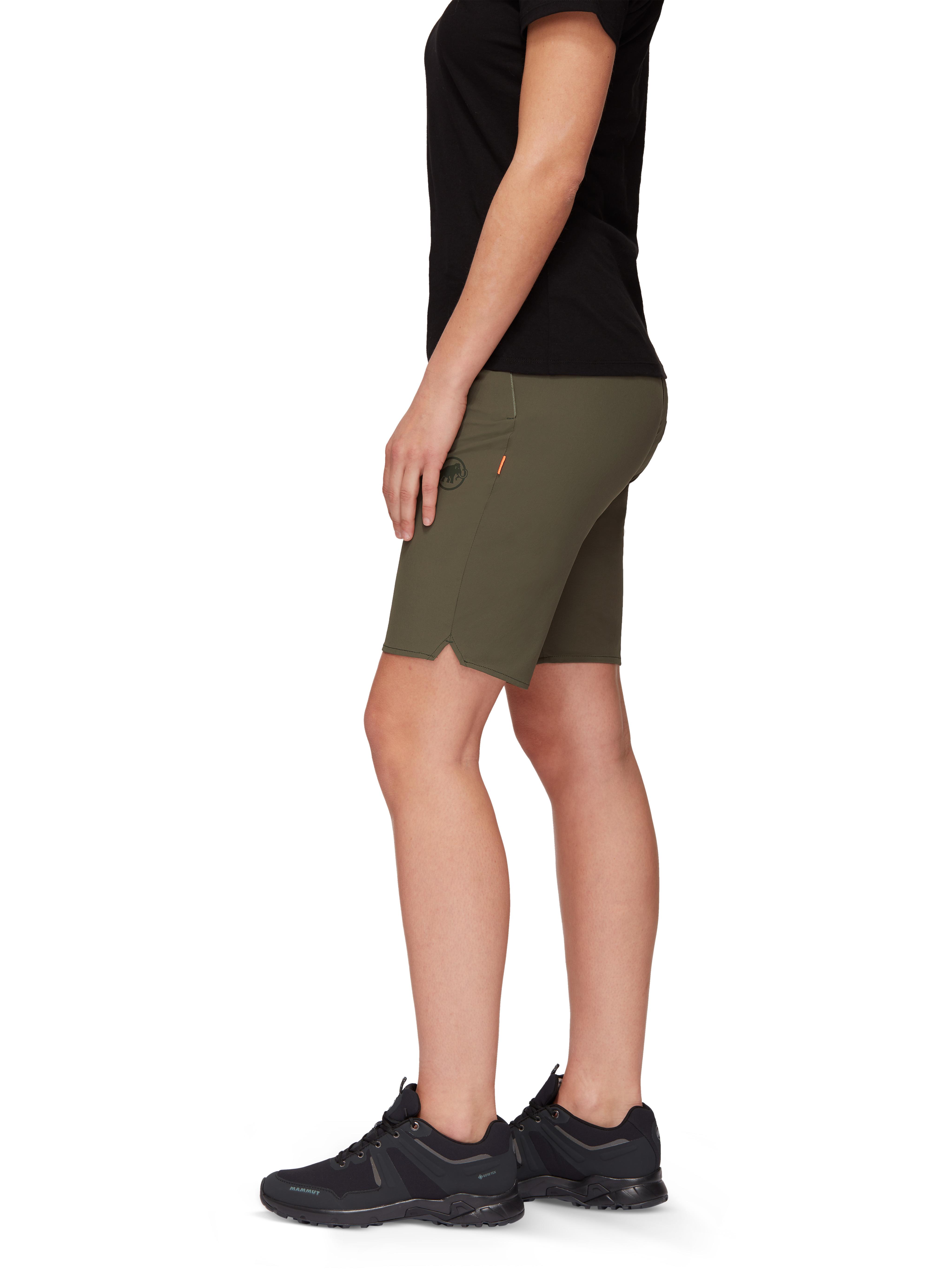 Runbold Shorts Women product image